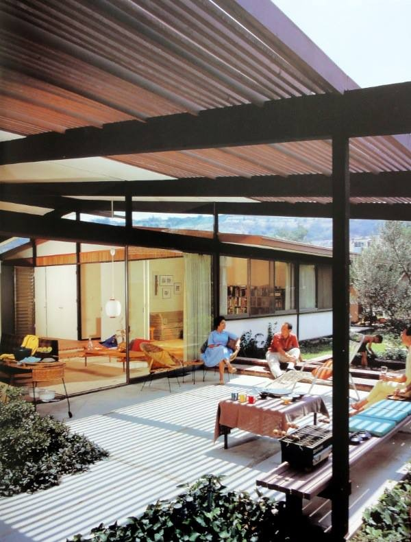 mid century modern outdoor space looks great but is it. Black Bedroom Furniture Sets. Home Design Ideas