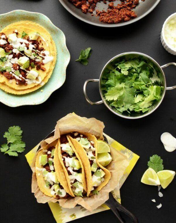 ¡Todas las recetas deliciosas de tacos veganos que puedas imaginar en una sola lista!