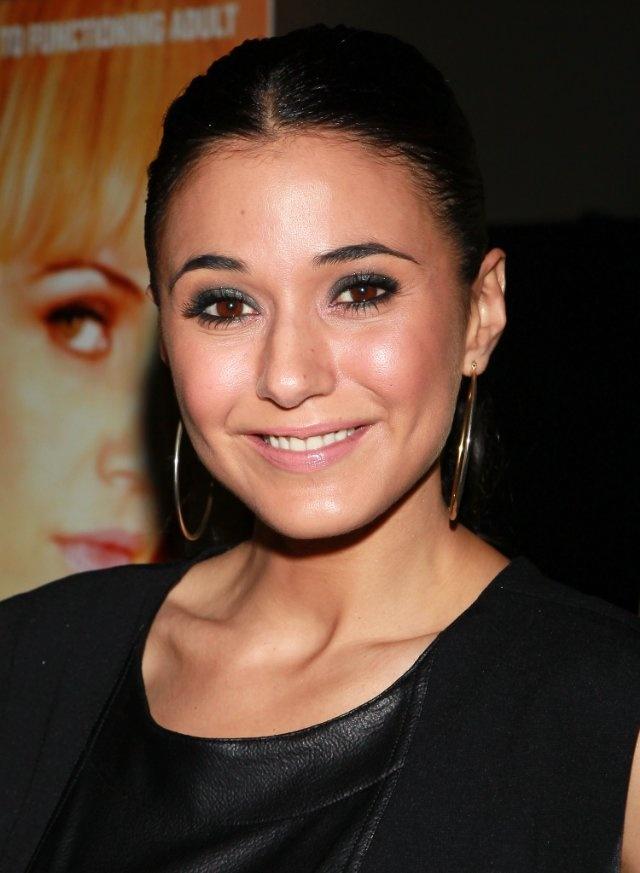 Emmanuelle Chriqui - (IMDb)