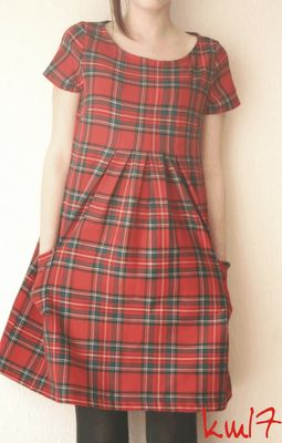 Stylish Dress Book, Modèle E Modified – lower empire line, pleats, pockets