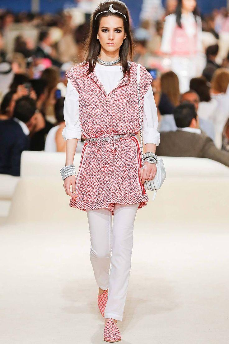 Chanel Resort 2015 Fashion Show - Mijo Mihaljcic