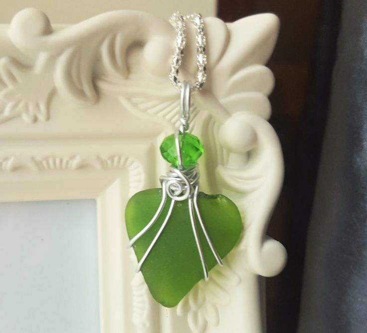 Valentine heart - Valentine day gift idea for her - Girlfriend present - Sea glass necklace - Emerald green necklace - Beach pendant - Gift by FoxJewelleryShop on Etsy