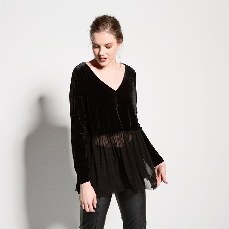 Velvet top with tulle details