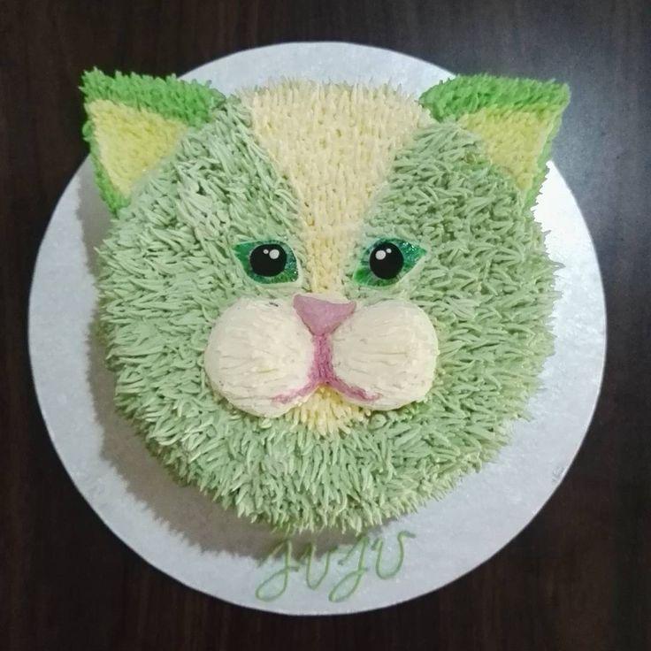 Green cat birthday cake