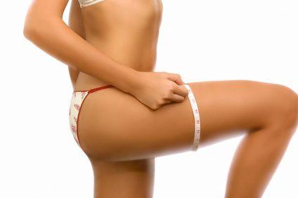 Vos cuisses sont grosses et molles ? Découvrez nos conseils de coach pour maigrir des cuisses et retrouver de belles jambes fines et galbées.