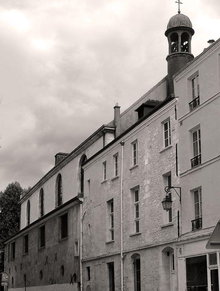 Paris III - 6 rue Charlot - La cathédrale arménienne Sainte-Croix-de-Paris, l'ancienne chapelle du couvent des Capucins .