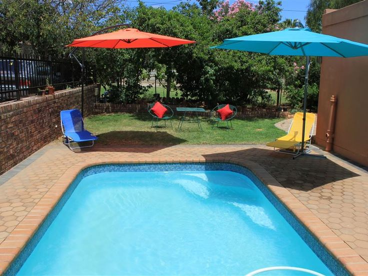 Lodge 96 - Lodge 96 is located in the historic town of Oudtshoorn about 60km from the George and the garden route. The house has five double rooms, two of them en-suite, plus two extra single beds available. There ... #weekendgetaways #oudtshoorn #kleinkarookannaland #southafrica