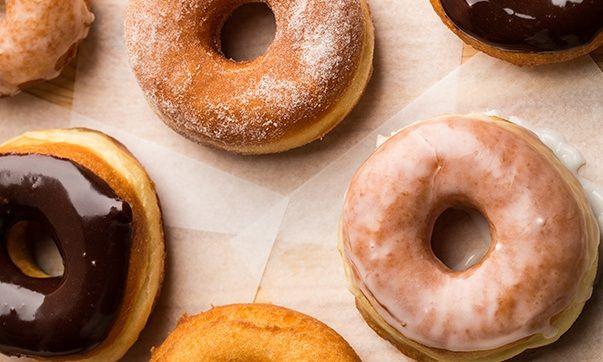 http://www.bajecnerecepty.sk/vyborne-domace-sisky-donuty-bez-vysmazania/