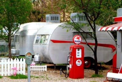 Shady Dell, AZ  retro trailer court motel