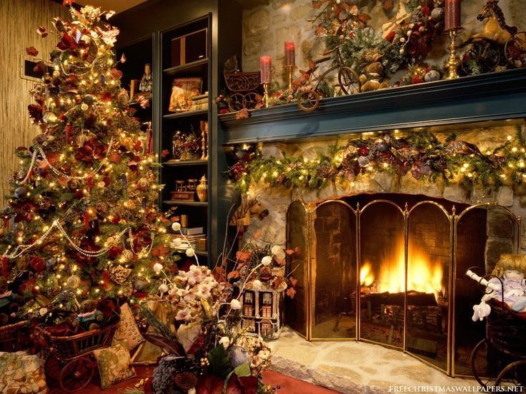 Christmas Tree and Fireplace: Christmastre, Christmasdecor, Decor Ideas, Christmas Fireplaces, Old Fashion Christmas, Christmas Trees Decor, Holidays, Country Christmas, Christmas Decor
