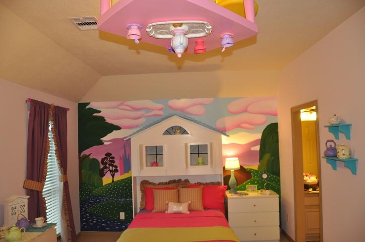 Alice in Wonderland Room. This is what malories room should look like