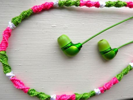 DIY for teens: floss wrapped earbuds need to do this. hate untangling