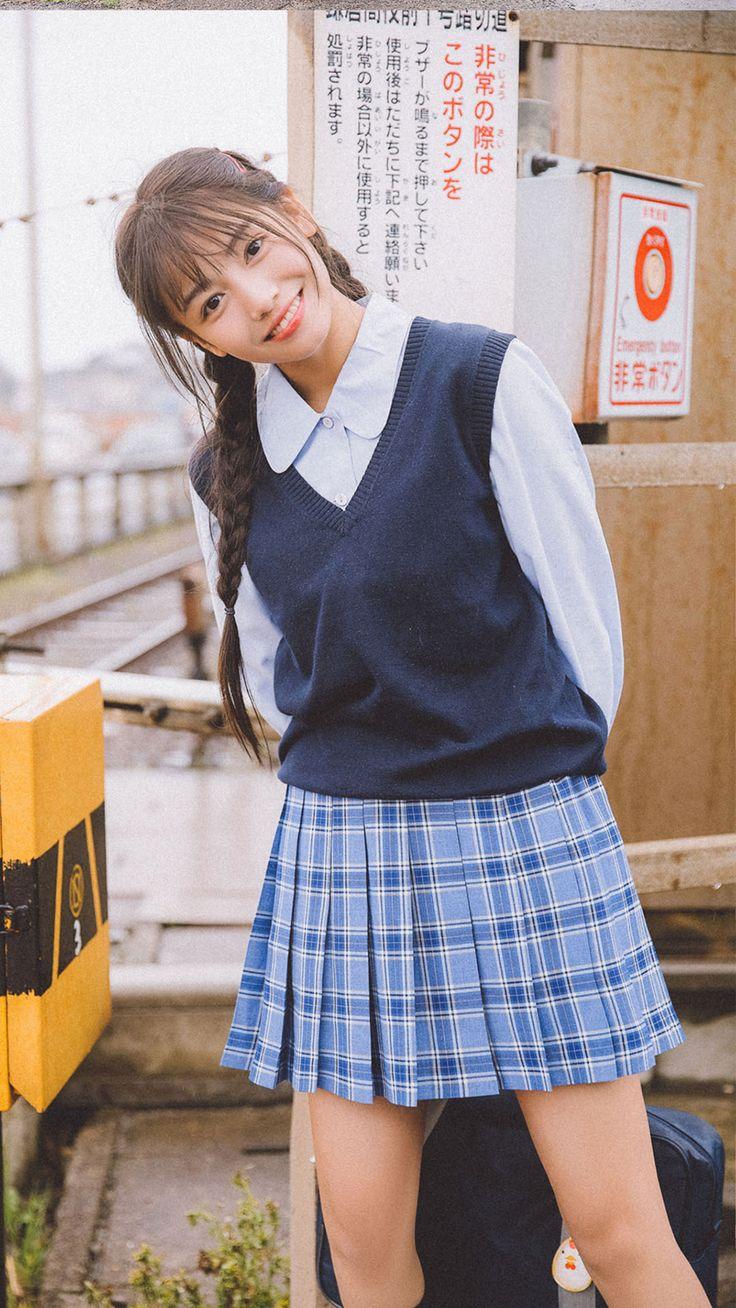 日系学生制服美女清新写真手机壁纸