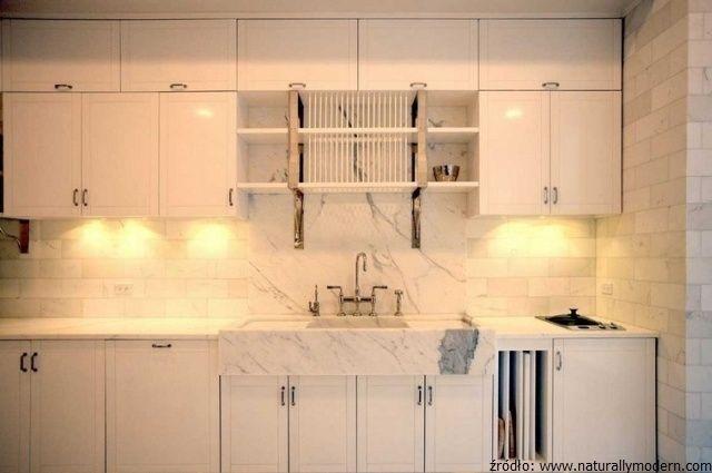 Kamień w luksusowych wnętrzach: kuchnia Gwyneth Paltrow wykończona białym marmurem
