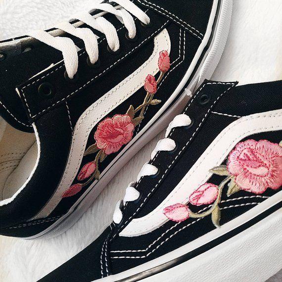 b45625a7e6210 Rose Buds Pink/Blk Unisex Custom Rose Embroidered-Patch Vans Old ...