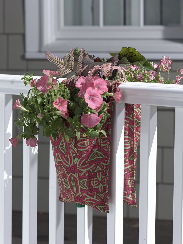 Patioart railing pouch planter diy garden pinterest - Planters to hang on railing ...