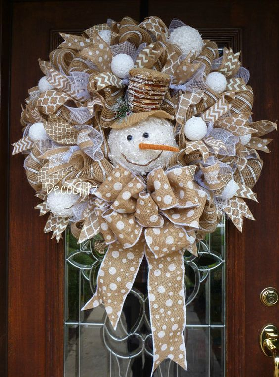 Best 25 snowman wreath ideas on pinterest diy christmas for Burlap wreath with lights
