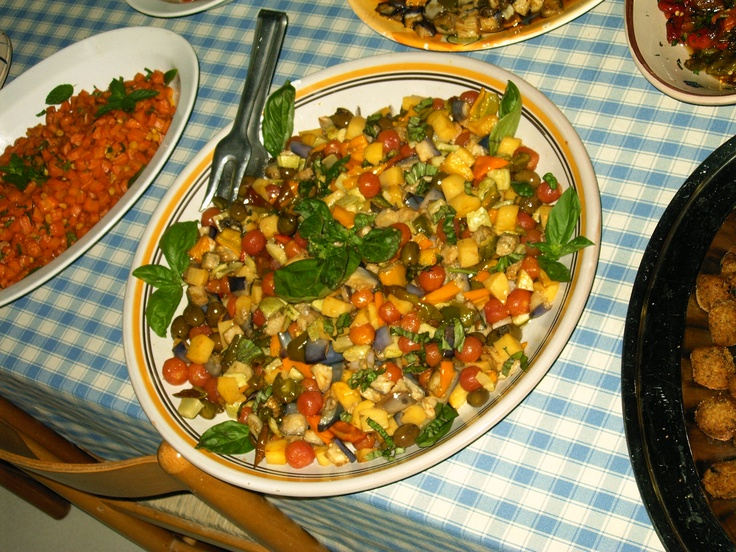 Is on the table that the products from our garden are transformed into spectacular meals all to enjoy