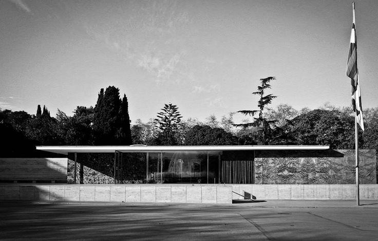 Ludwig Mies van der Rohe (1886-1969) | German Pavilion | Barcelona Universal Exposition | 1929 | Photo:Adam Olszański