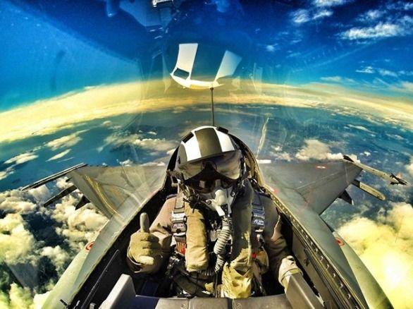 Faites votre baptême en avion de chasse - be a fighter pilot for a day!