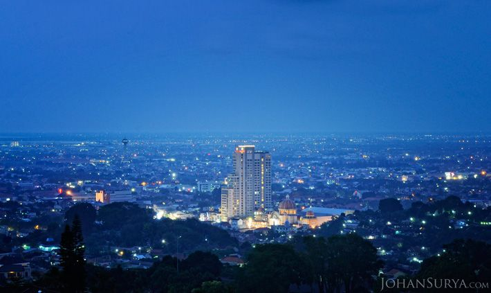 Blue is Nothing without Yellow   Star Hotel - DP Mall - MT Haryono