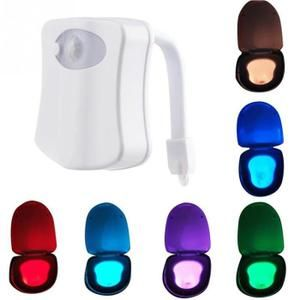 8 couleurs changeantes Body Motion Dection capteur automatique de lumière LED Toilet Bowl Couvercle de bain Seat Night Light Lamp