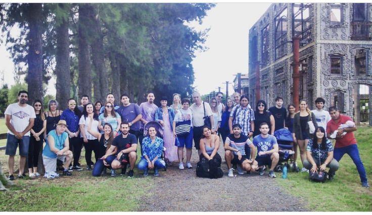 Un grupo de visitantes de paseo por Campanopolis #visitas #paseo #historia #ecologia #medioambiente #medieval #templarios #campanopolis