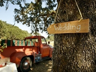 20 Country Rustic Wedding Theme Ideas…    Mix country and rustic together and you have yourself a country rustic wedding themethat can be in the woods, in a barn, or even in your …: Country Rustic Weddings, Mix Country, Rustic Wedding Themes, Wedding Ideas, Country Wedding, 20 Country, Children, Dream Wedding, Theme Ideas