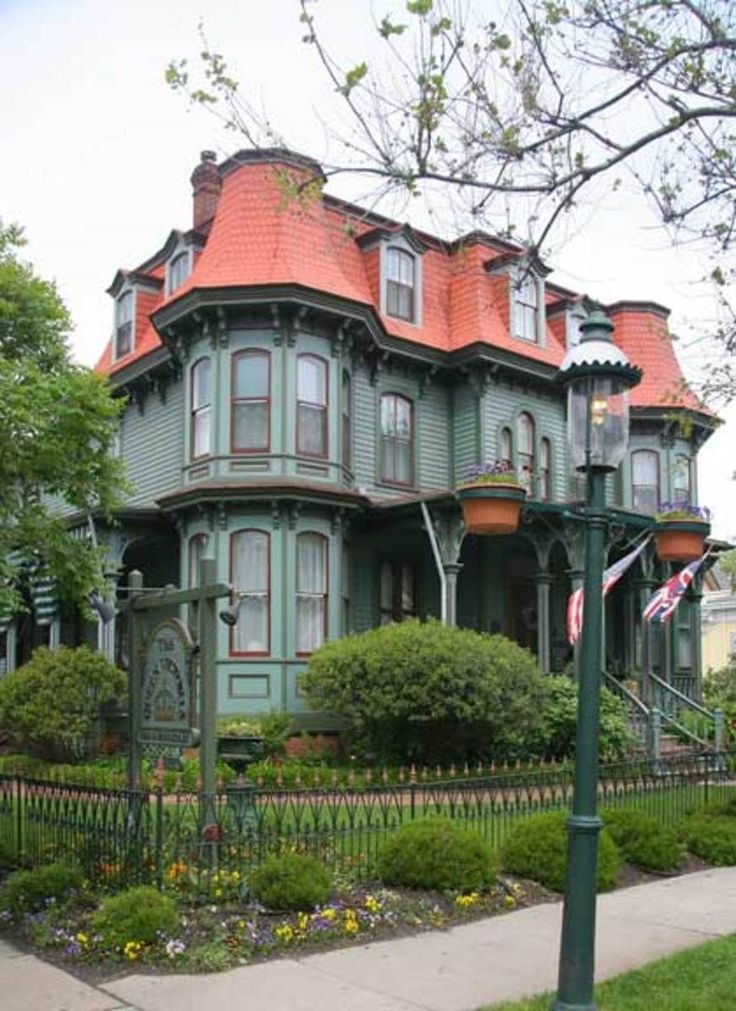 Best Mansard Roof Definition And Advantages Victoria House 400 x 300
