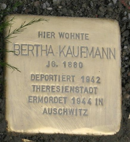 Stolpersteine Würzburg: Erster Verlegetermin vom 17. Juli 2006.