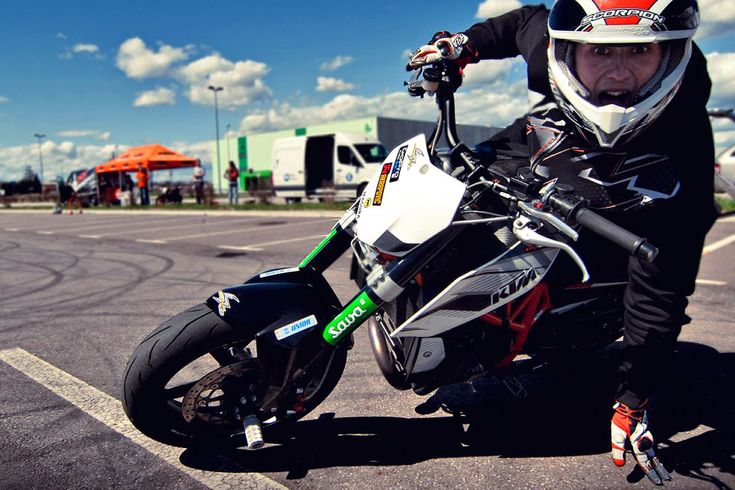 ktm 690 duke rok Bagoros 10 Rok Bagoroš 2013 stunt training with the KTM factory 690 Stunt Duke