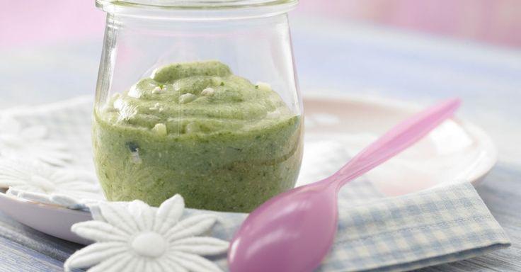 Spinatbrei mit Pute: Obwohl Spinat nicht ganz so viel Eisen enthält wie lange angenommen, ist er doch das eisenreichste aller Gemüse.
