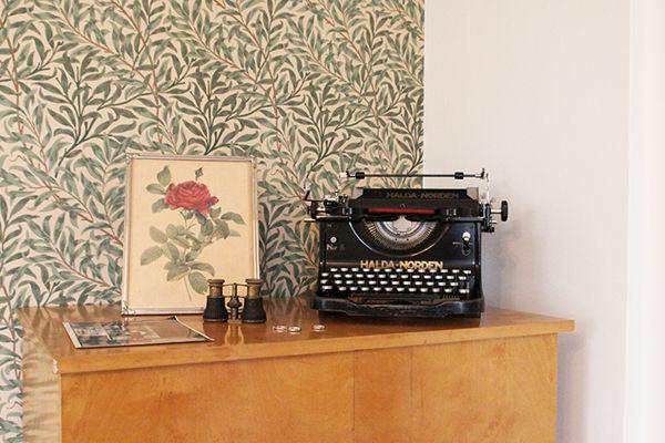 Morris & Co - Willow Boughs Wallpaper
