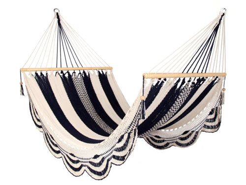loving this hammock!: Backyard Hammocks, Idea, Modern Bohemian, Nicaraguan Handwoven, Black And White, White Hammocks, Black White, Handwoven Hammocks, Modern Houses