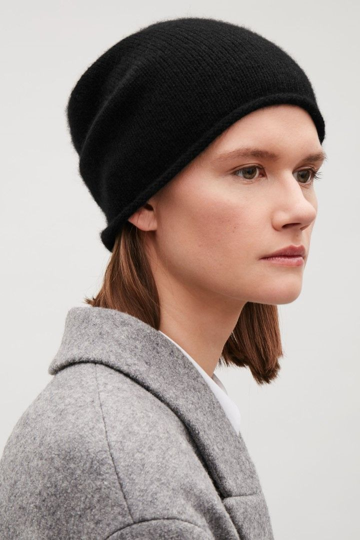 COS Cashmere hat in Black  2ee7acfec78