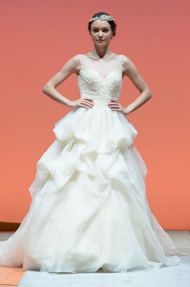 Pin for Later: Die 150 schönsten Hochzeitskleider der Brautmodenschauen Herbst/Winter 2016 Disney Fairy Tale Weddings by Alfred Angelo Herbst/Winter 2016