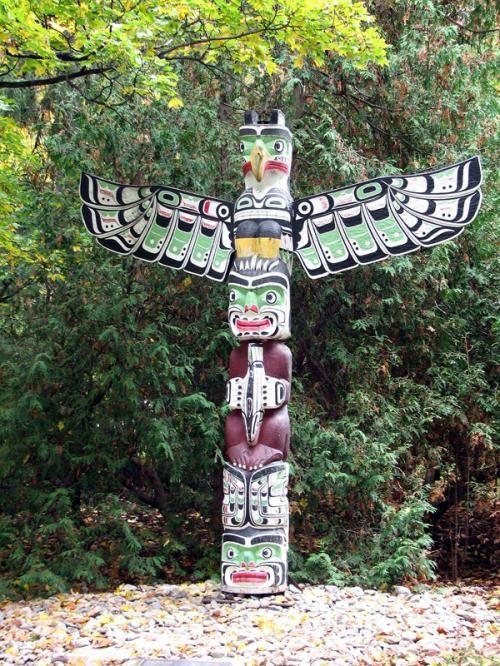 Ottawa/Totem-Pole.. love this!