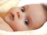 La 6 luni copilul intelege semnificatia cuvintelor.