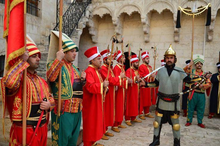 Şanlıurfa'nın mehter takımı, kentin tarihi sokaklarını müzik sesiyle renklendirecek.