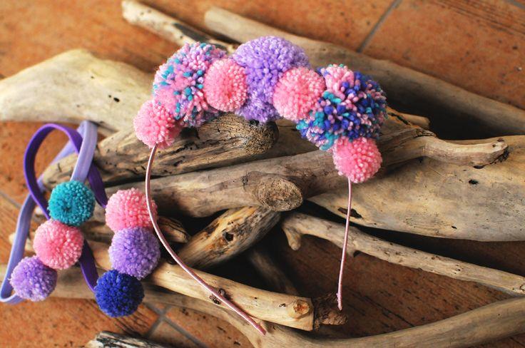 Yarn pompon head crown