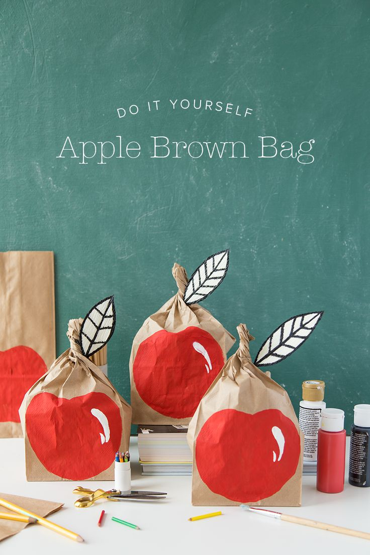 An adorable way to send your kid off to school. Make an apple lunch sack! Perfect for lunch or as a gift for teacher!