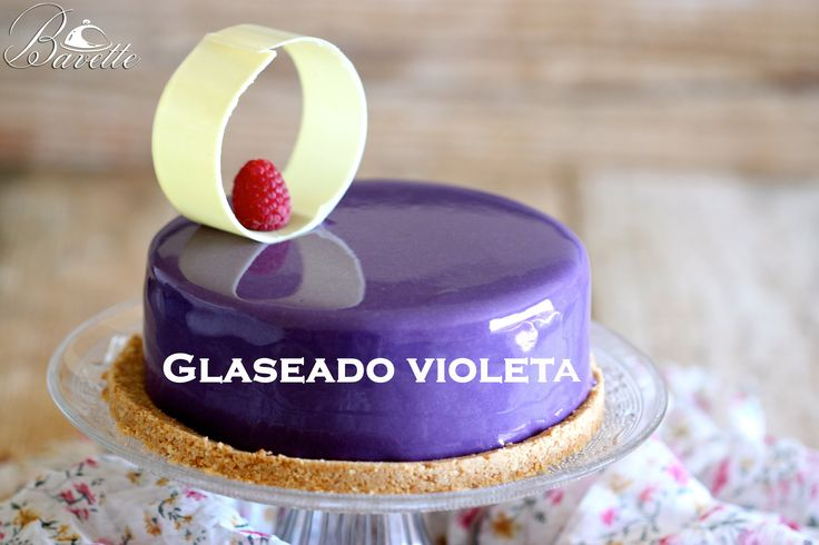 En este video vamos a elaborar un glaseado violeta brillante, espectacular. Ideal para bañar, tartas, mousses , un cheesecake etc. Podéis cambiar el color vi...