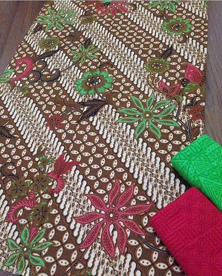 Batik print katun halus + embos @135.000 Batik 200x115 @90.000 Embos 190x100 @60.000 Ambil banyak harga grosir Minat WA 0819-821764 Line Lechis