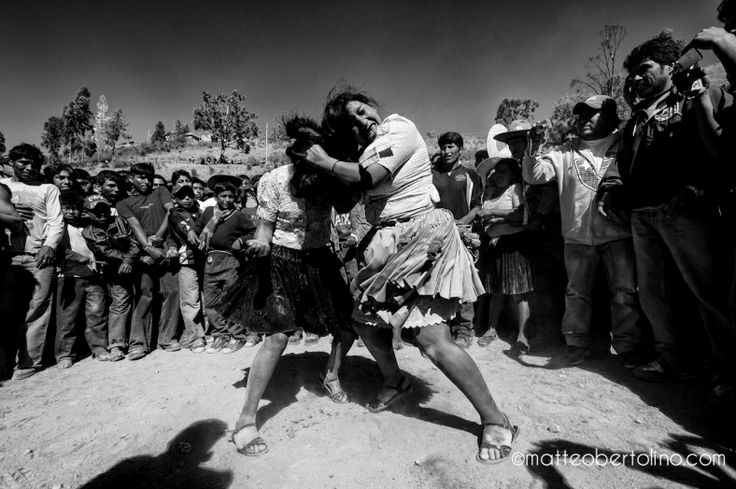 Combat rituel de matteo bertolino | Tinku (Bolivie)
