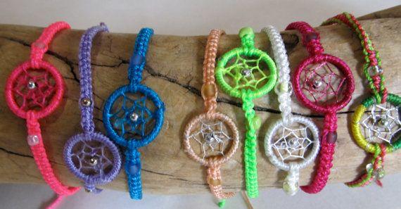 SALE Dream Catcher Friendship Bracelet van PaolaLoves2Shop op Etsy
