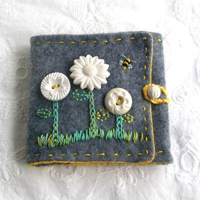 Flower button needlecase