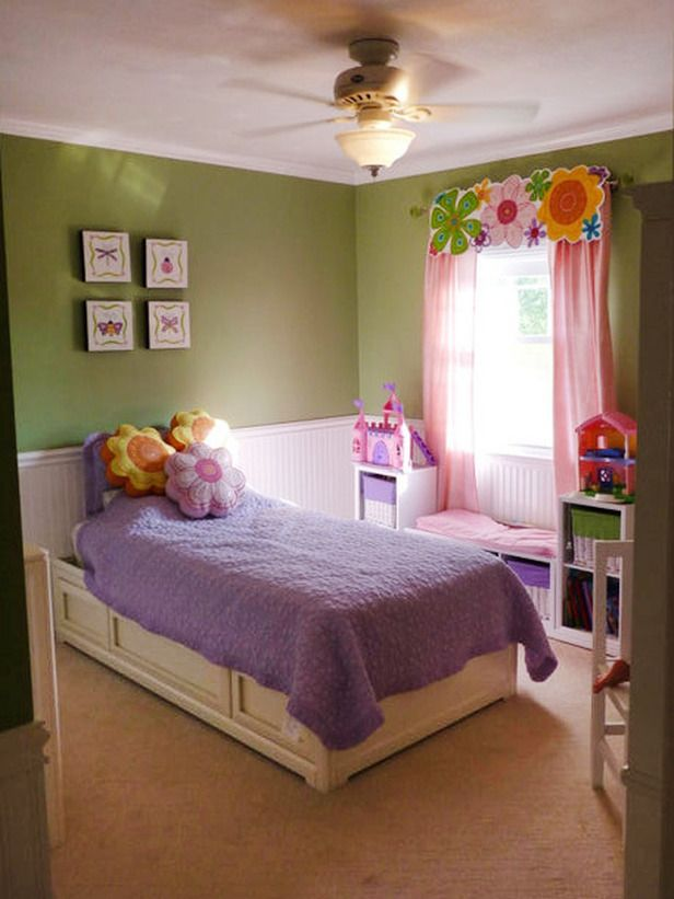 This Flower Themed Girlu0027s Bedroom With Bright Tones Displays A Crisp, Clean  Decor,