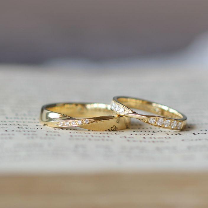 ゴールドでお作りしたひねりのあるフォルムの結婚指輪(オーダーメイド/手作り) マリッジリング,marriage,wedding,ring,ウエディング,ダイヤモンド,diamond,Gold,ゴールド