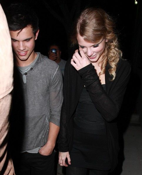 Taylor Swift Photos: Taylor Swift And Taylor Lautner Getting Some Ice Cream