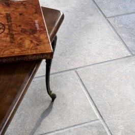 Transylvania V Gray Brushed has subtle gray tones and is scattered with very little fossils of similar hues, contrasted by long, darker veins. The durability of the Transylvania V Gray stone translates into an ideal choice for high footfall areas of the home, while its low porosity also makes it a good choice for bathrooms and wet rooms.